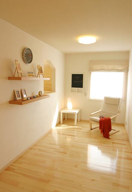 読書・学習など、家族が共有して使えるフリースペースの空間。