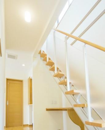 M様邸1階リビング階段